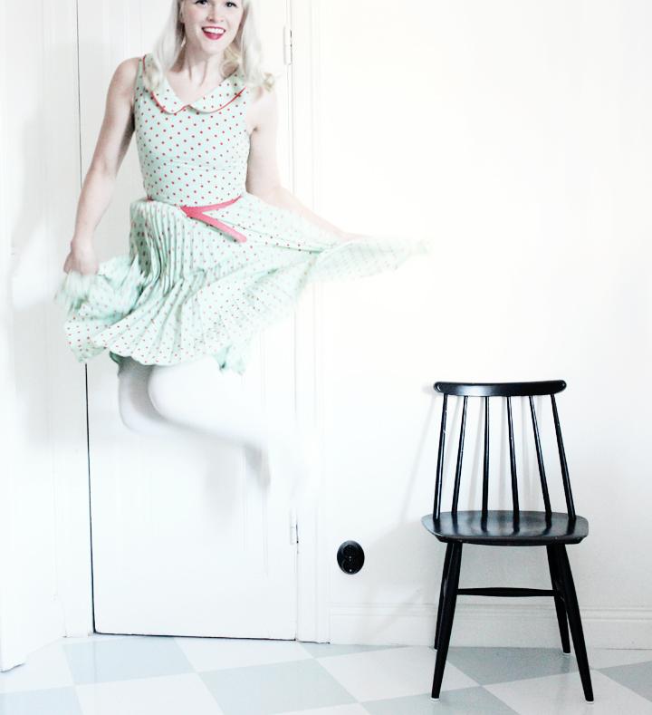 prickig klänning emmas vintage pinnstolar