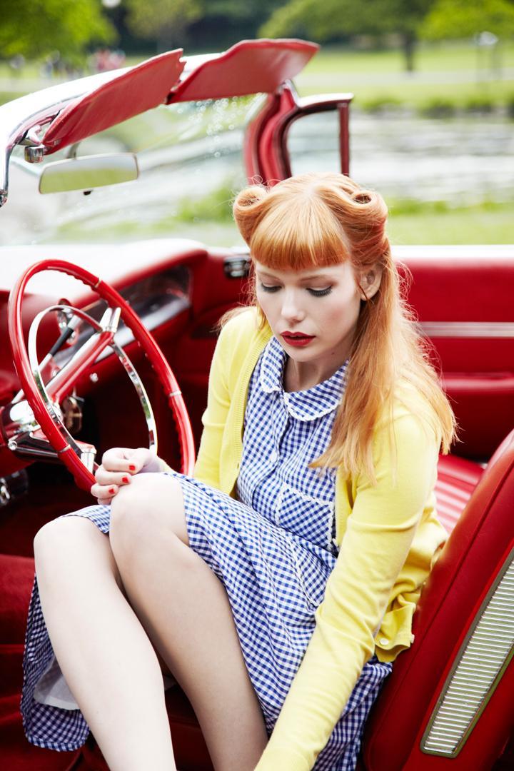 Emily Dahl Jumperfabriken bil