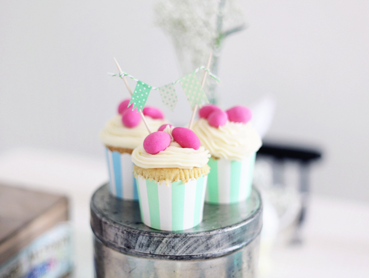 påsk dukning cupcakes inspiration by emmas vintage