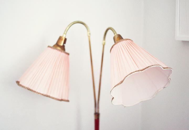 tvåarmad lampa by emmas vintage