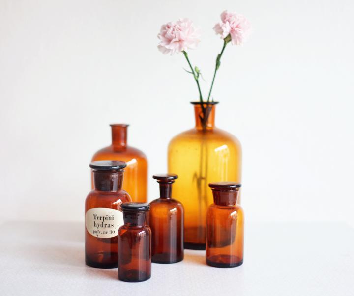 bruna flaskor by vintagefabriken