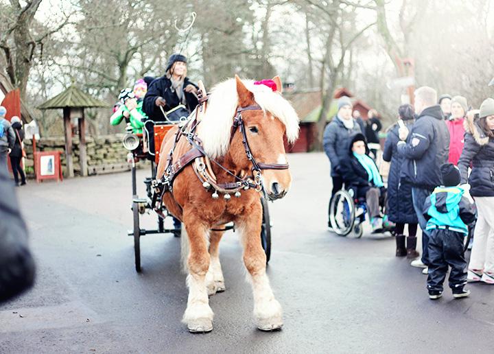Skansens julmarknad häst by emmas vintage