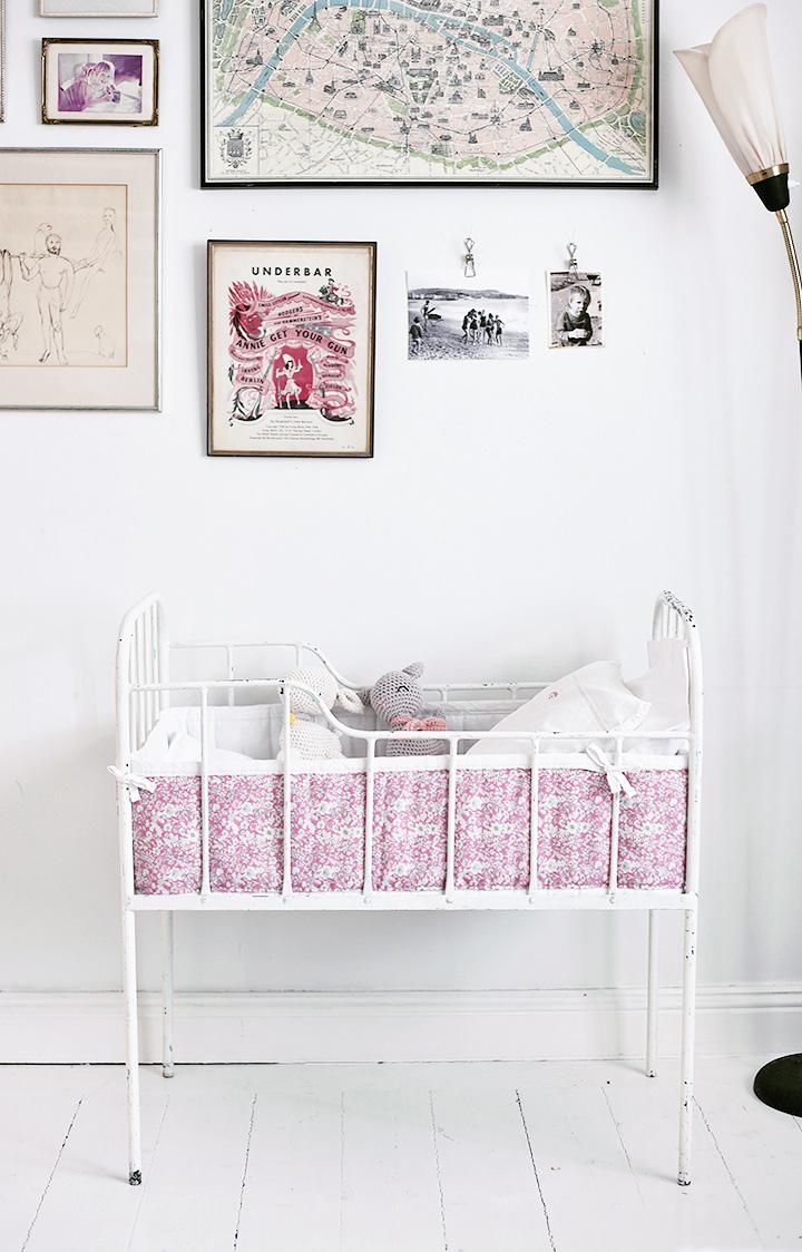 bebissäng vintage spjälsängsskydd spjälsäng järnsäng emmasvintage