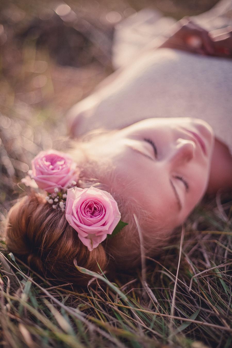 bröllop frisyrer blommor frisyr brudfrisyrer