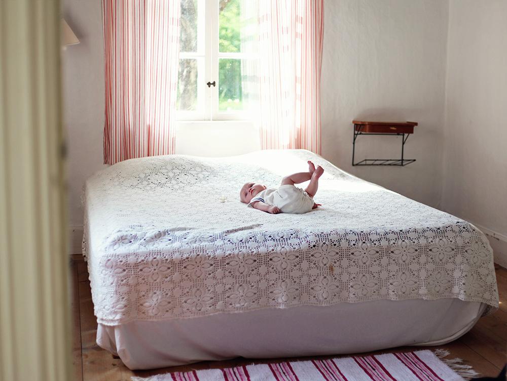 torp vintage virkat överkast sovrum inredning