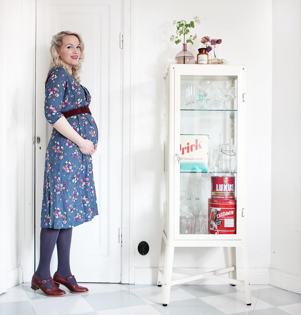 gravid gravidmage vecka 22 vänta barn vintage gravidkläder