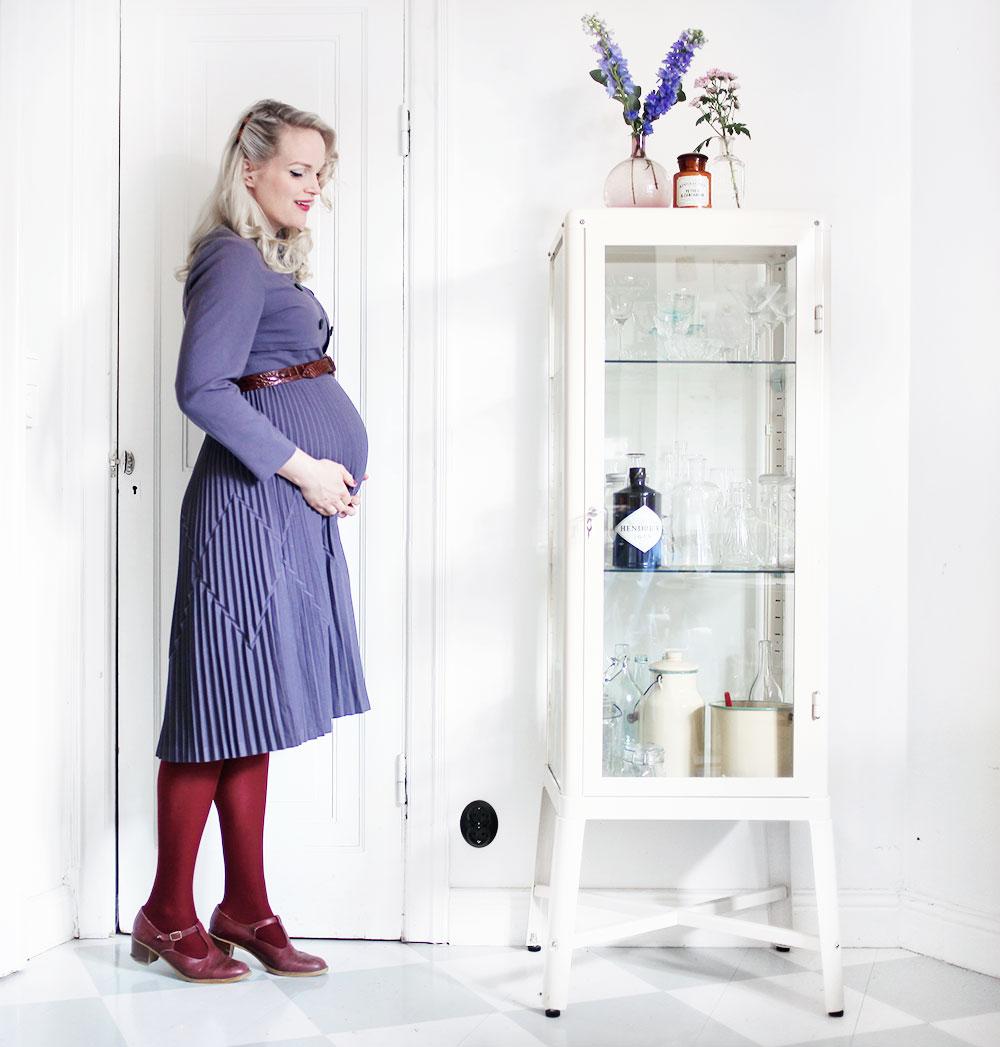 gravid pregnant week 31 gravidmage gravidkläder klänning gravidklänning vintage