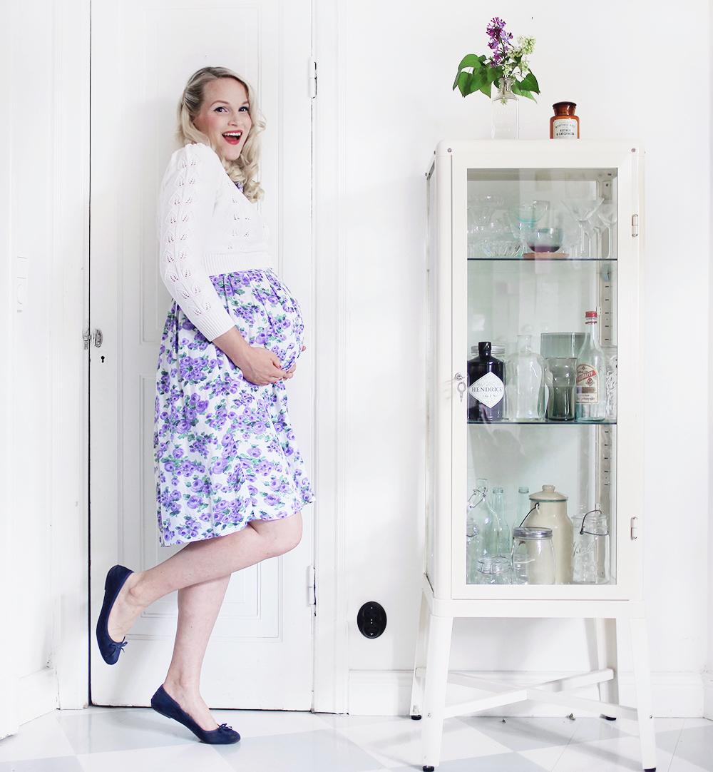 gravid vecka 34 pregnant maternity clothes kofta klänning
