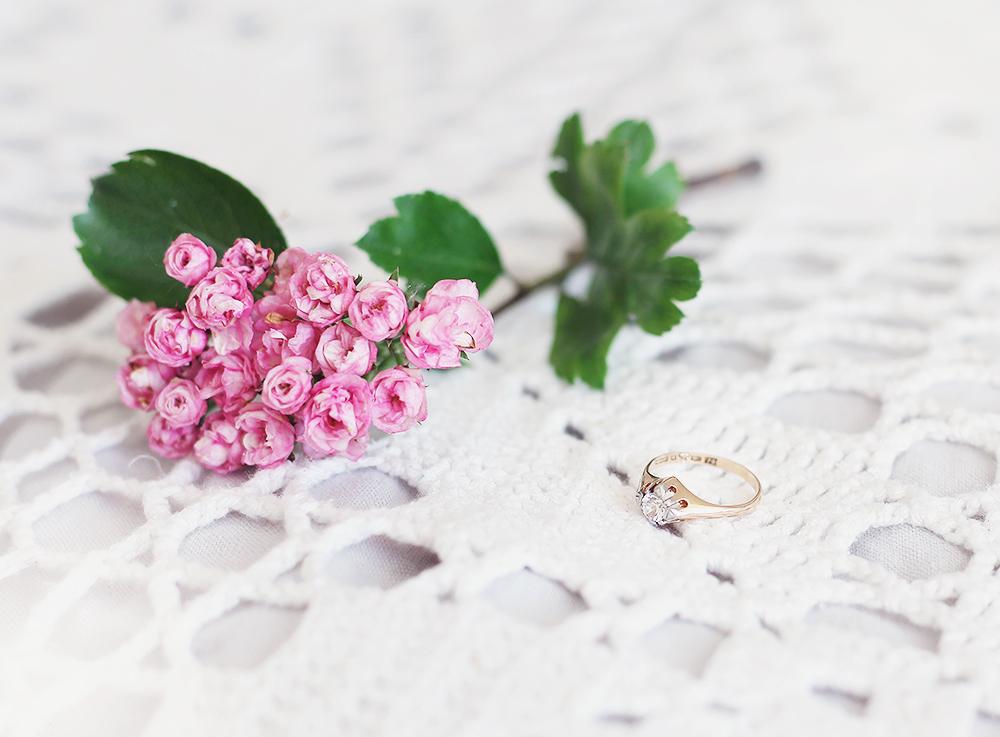 vintage smycken vintagesmycken jewelry Thörnströms ring förlovningsring guld guldring 50-tal 1950-tal