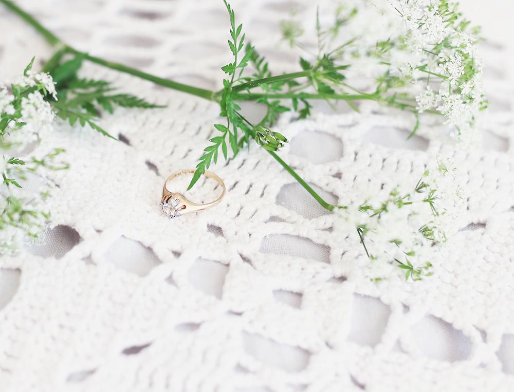 vintage smycken vintagesmycken jewelry Thörnströms ring förlovningsring guld guldring