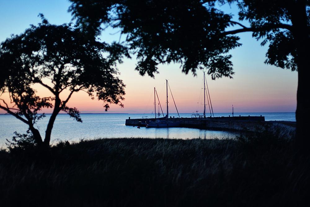 Gotland guide tips semester barnvänlig restaurang mat äta fisk rökeri katthammarsvik badplats bada strand