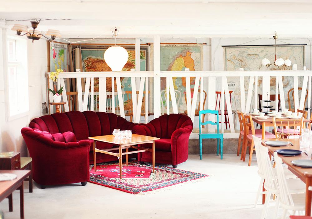 Gotland guide tips semester vintage fynda antik loppis lyckliga gården kläder klänningar leksaker möbler lampor