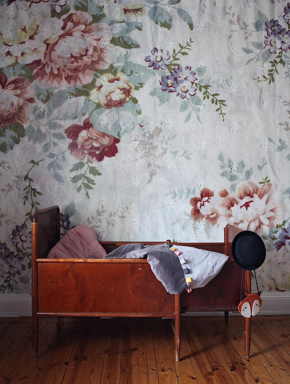 vintage säng blocket blossom mr perswall inredning barnrum