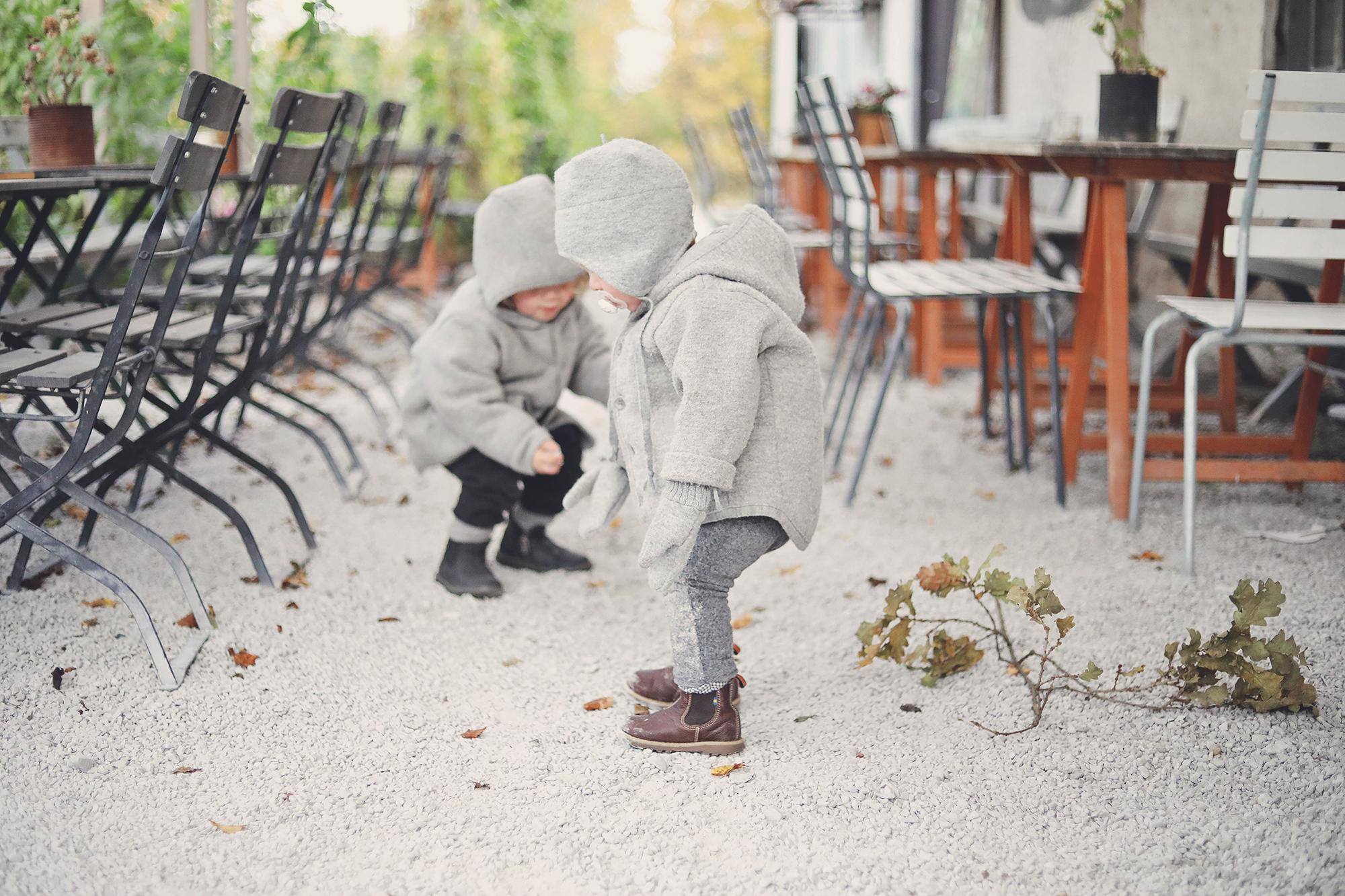 877dcc9c27fe Q: Jag har akut habegär på barnens kappor, de är helt fantastiska! var är  de ifrån?