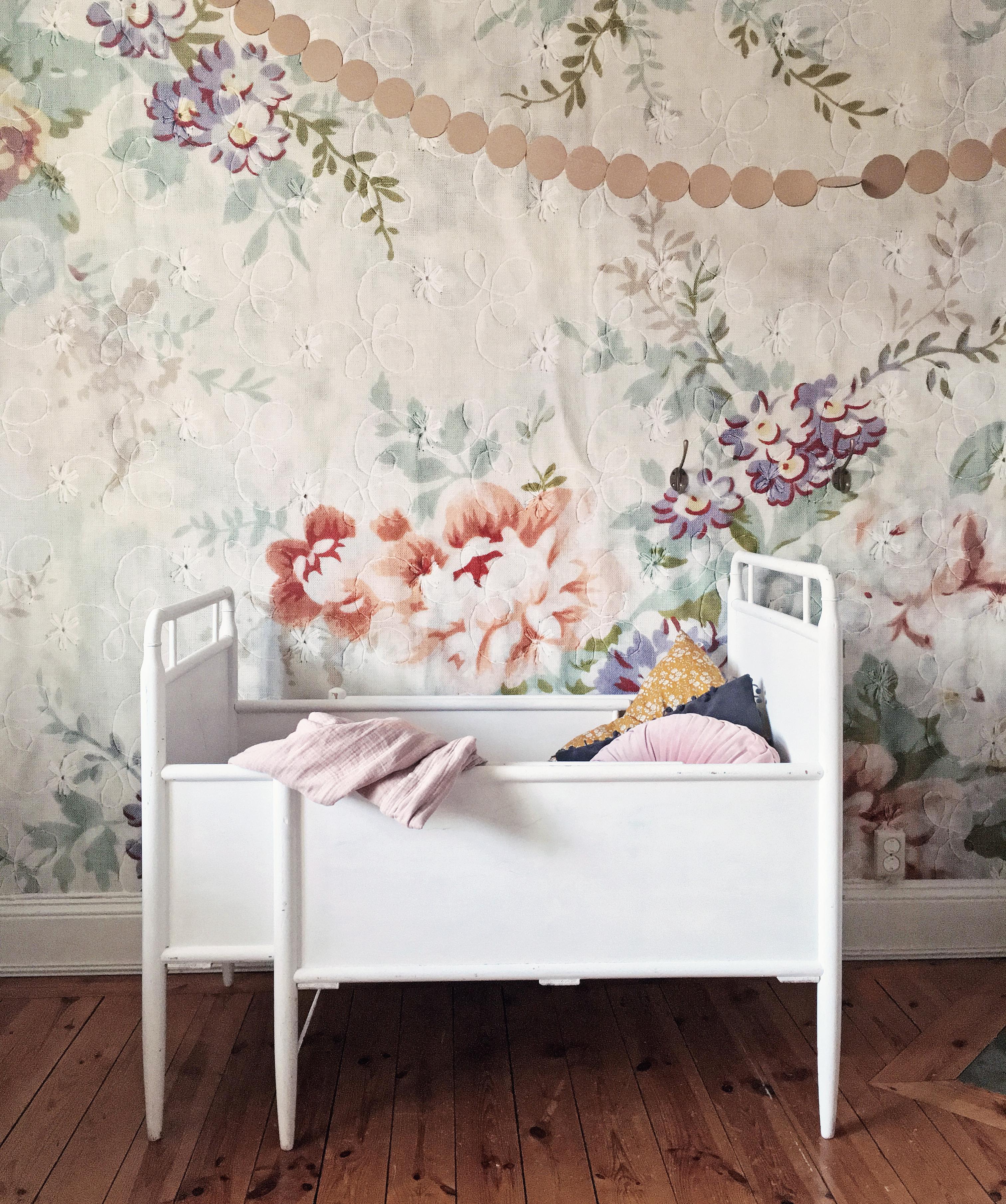 barnrum säng barnsäng växasäng vintage