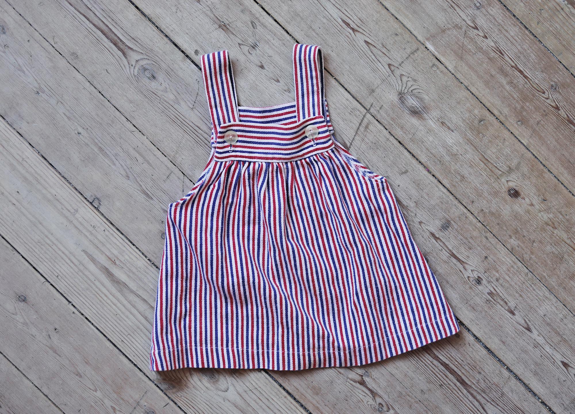 barn barnkläder vintage loppis klänning