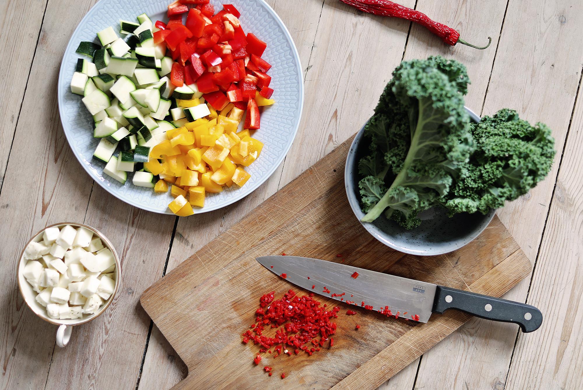 vegetariskt recept vegetariska middagsklubben pytt i panna tips middagstips enkelt chili grönkål paprika