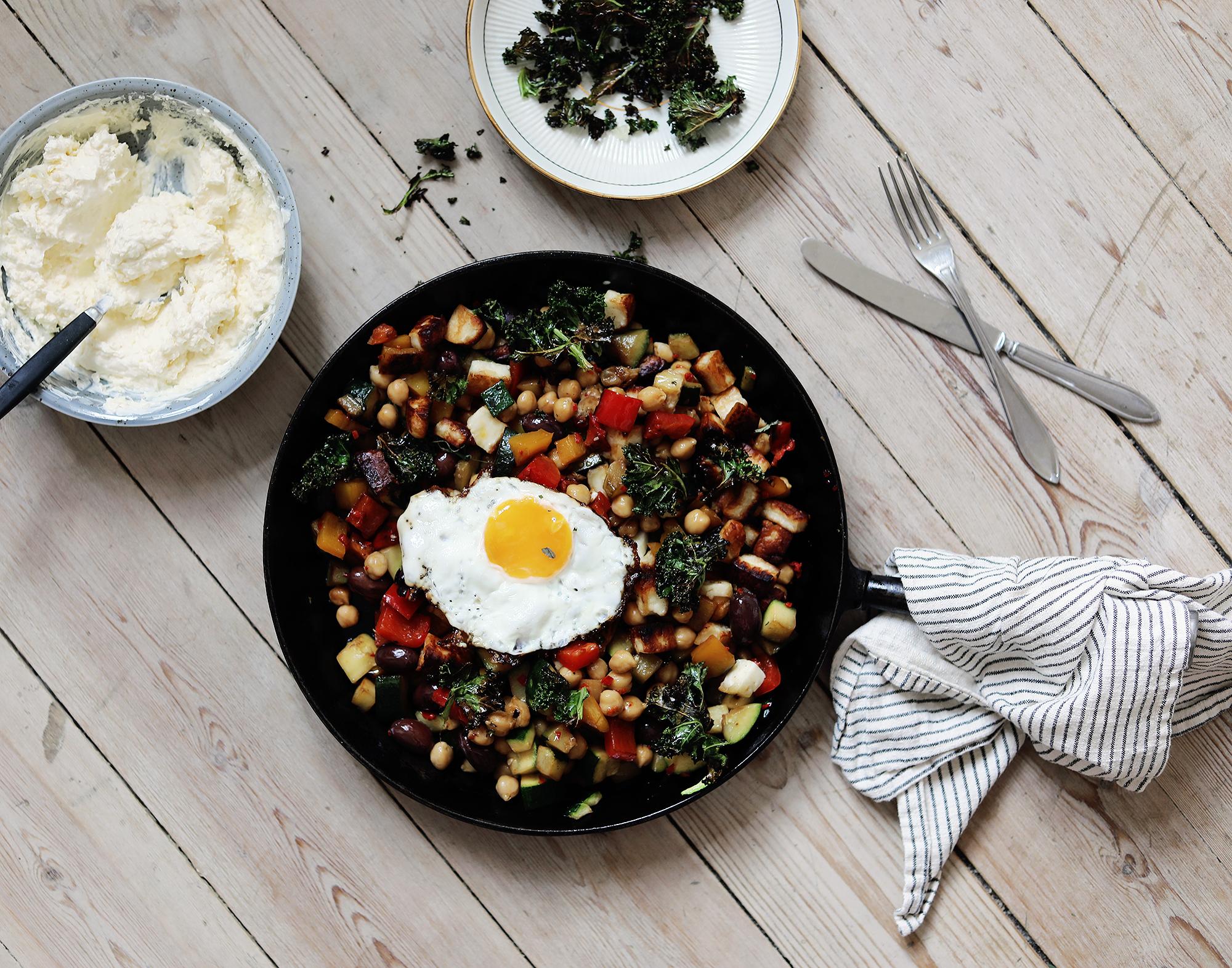 vegetariskt recept vegetariska middagsklubben pytt i panna tips middagstips enkelt chili grönkål paprika ägg