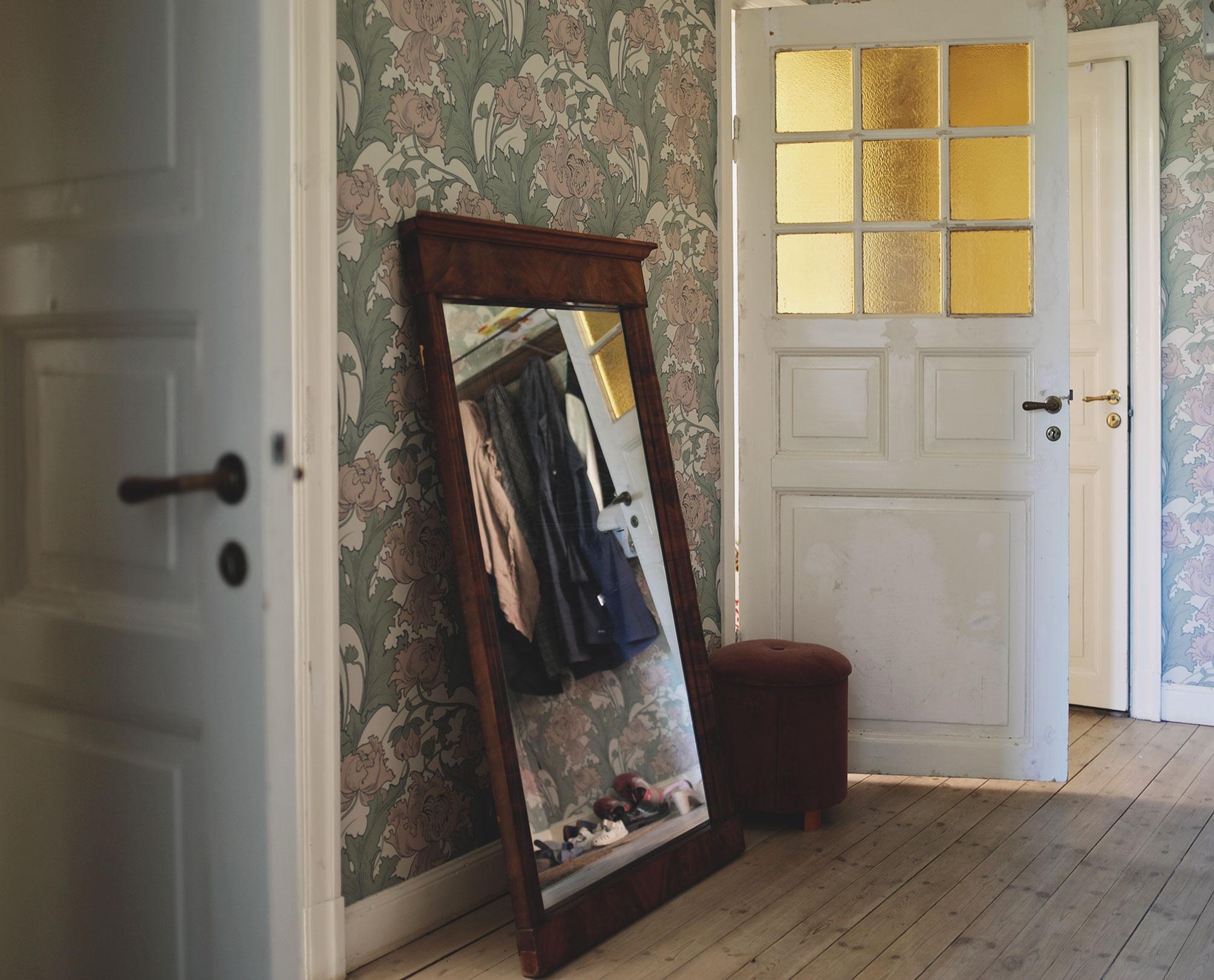 spegel art nouveau jugend tapet tapeter hall inredning