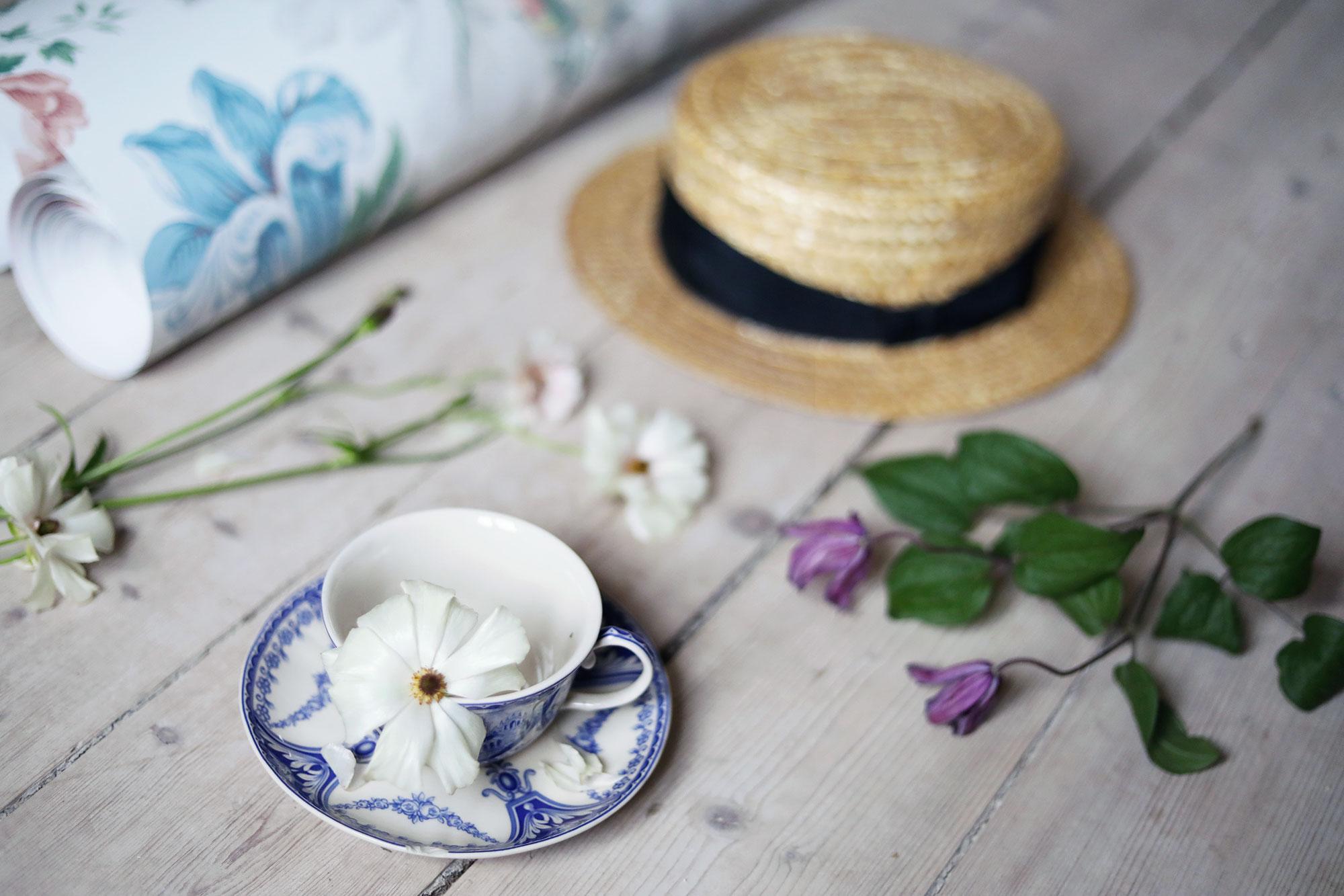 boråstapeter tapet tapeter blommig torp sommarhus sommar blommor Gotland