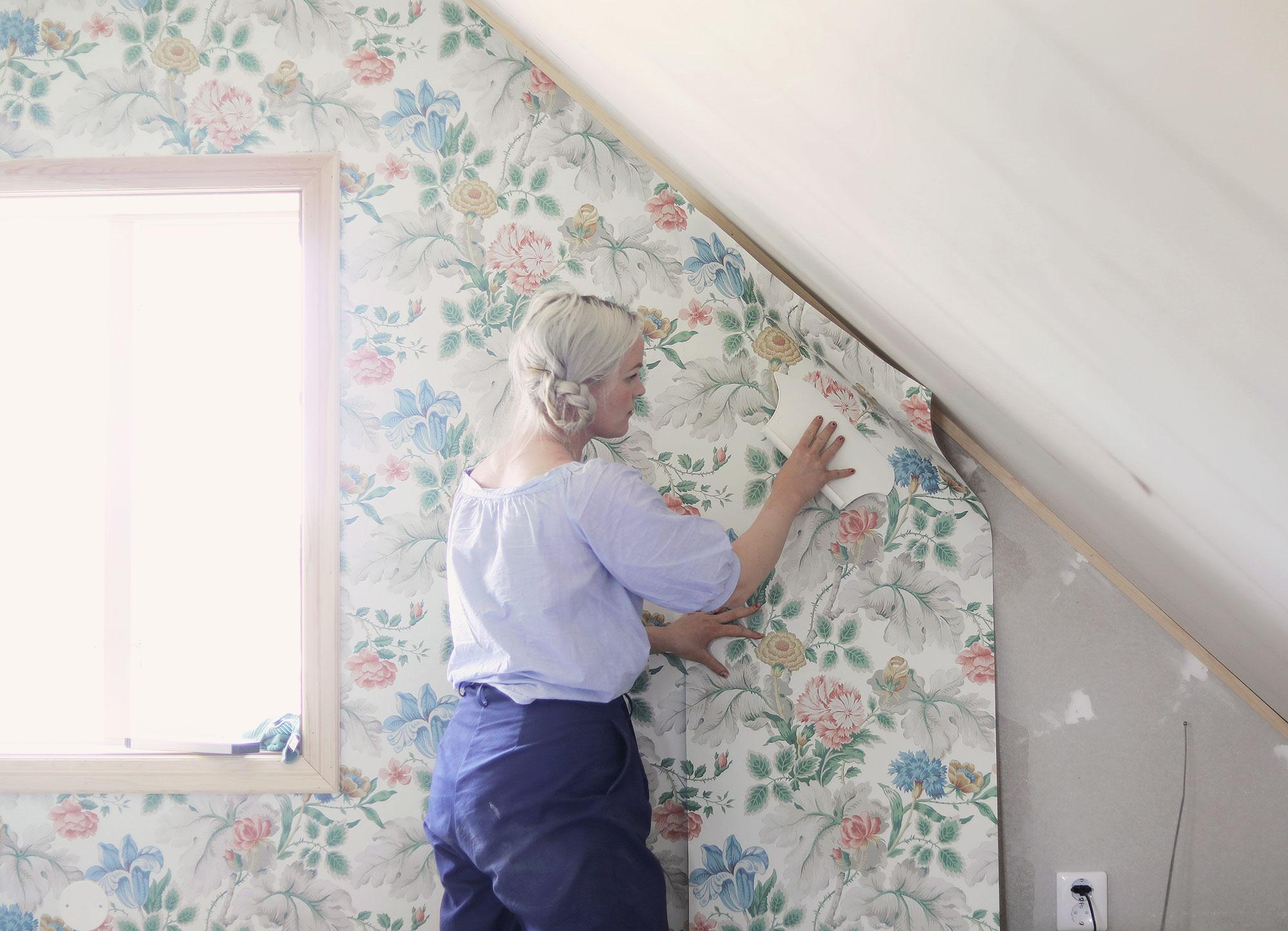 tapet boråstapeter lantligt romantiskt blommiga tapeter emmasvintage Gotland
