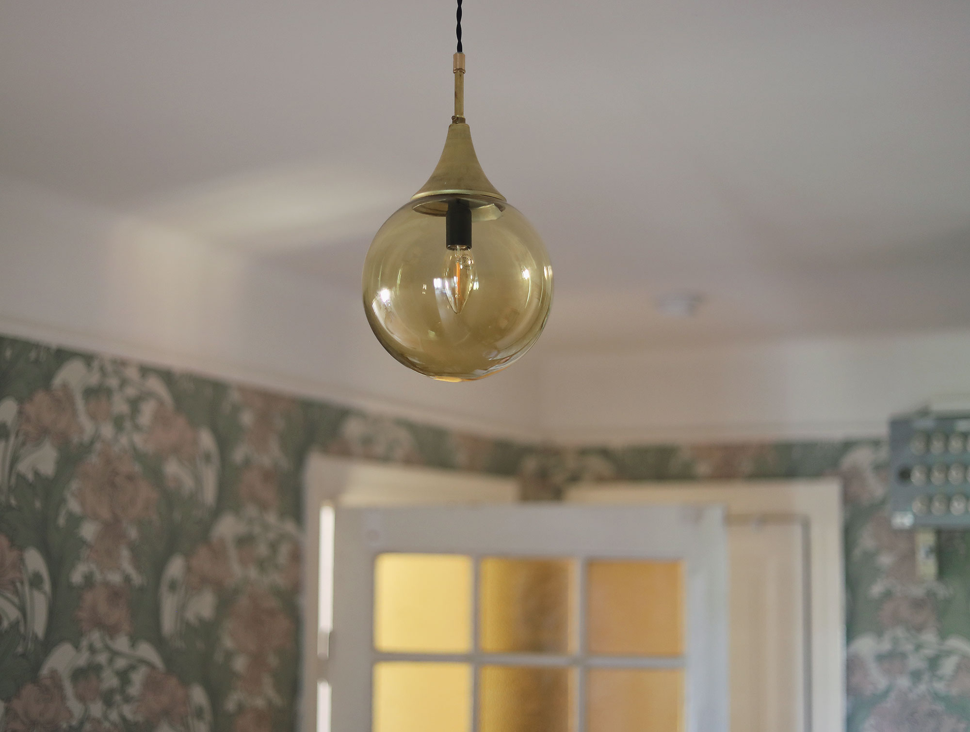 lampa vintage svenska armaturer inredning hall sekelskifte